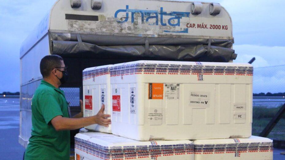 Vacinas: rn recebe lote com 33.800 doses da coronavac nesta quinta-feira, 13