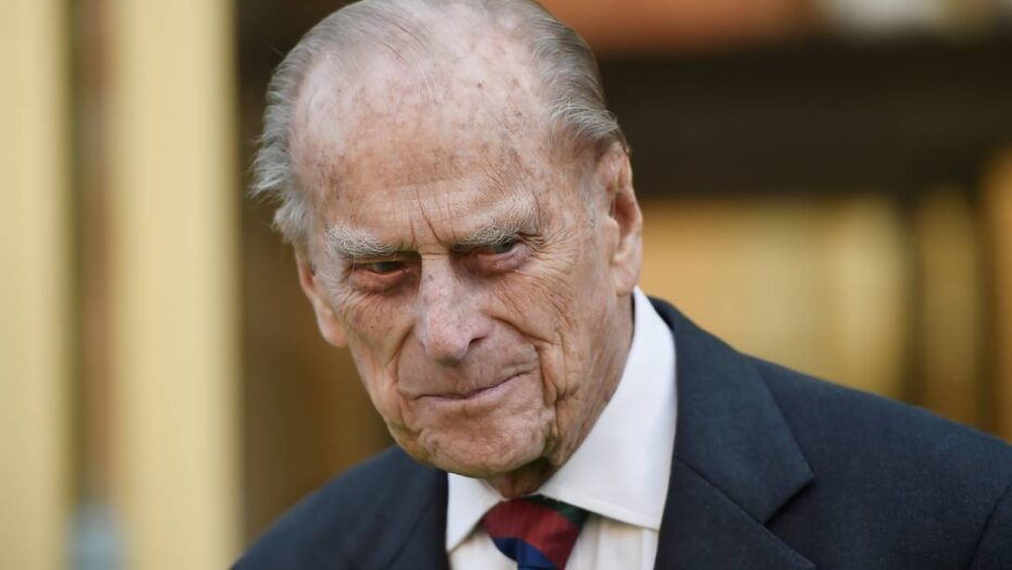 Príncipe philip deixa r$ 226 milhões para três funcionários em testamento, diz jornal