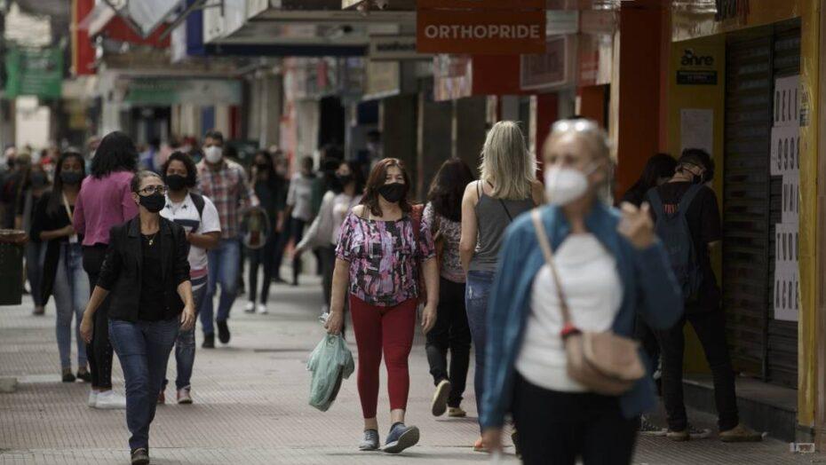 3 a cada 10 brasileiros estão em casa, pior nível de isolamento social desde o início da pandemia