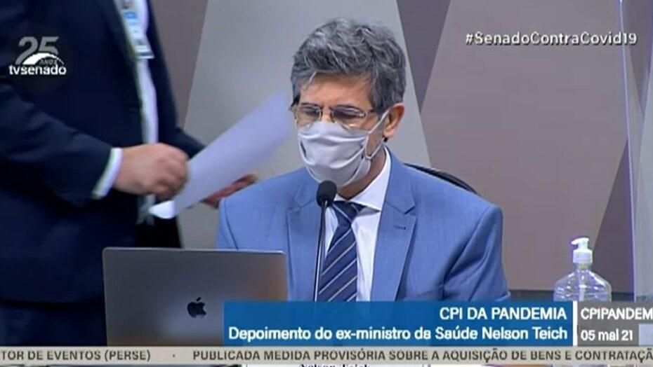 'divergências com o governo sobre eficácia da cloroquina motivaram minha saída', diz teich à cpi da covid
