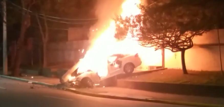 Homem morre após bater carro e veículo explodir