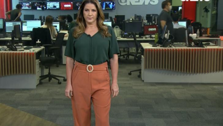 """Christiane pelajo surta ao vivo durante jornal e é atacada ex-globo: """"muito gorda para a tv"""""""