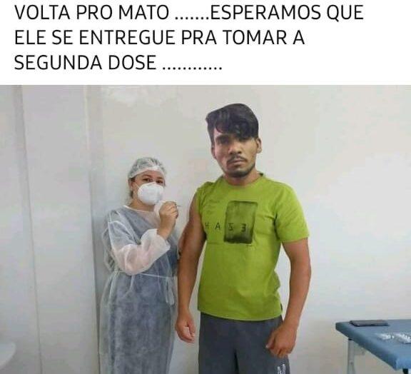 É #fake que o serial killer lázaro tomou a 1ª dose da vacina contra covid-19 e voltou para o mato