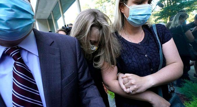 Atriz é condenada a 3 anos de prisão por participar de seita sexual