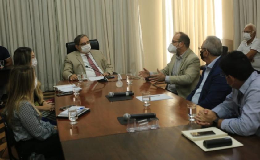 Álvaro dias se reúne com representante do ministério da saúde e solicita mais recursos para natal