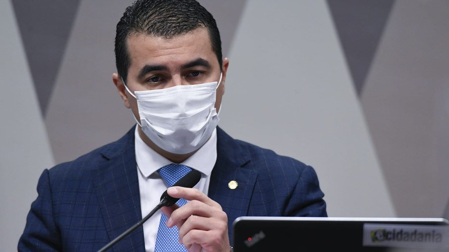 Miranda diz que pazuello sabia de denúncias: 'tinha que ter rasgado o verbo'