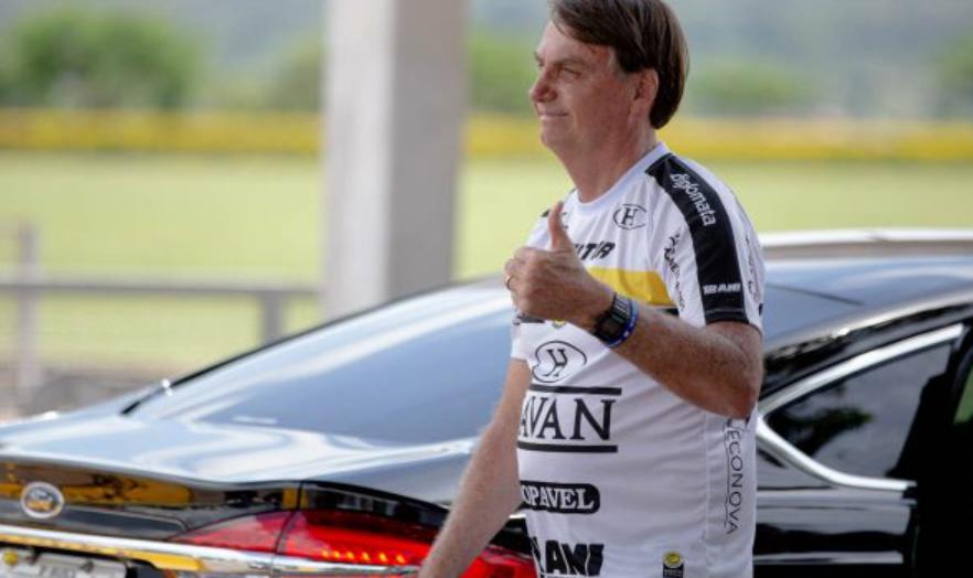 Bolsonaro nega pressão sobre jogadores e técnico da seleção brasileira