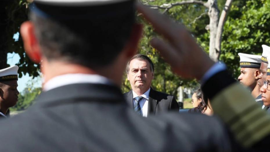 Brasil gasta mais de r$ 700 bi com pensões e benefícios de militares