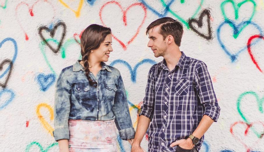 Distanciamento na pandemia: tecnologia ajuda casais a manterem contato diário