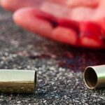 Homem atira em mulher e depois é baleado em natal