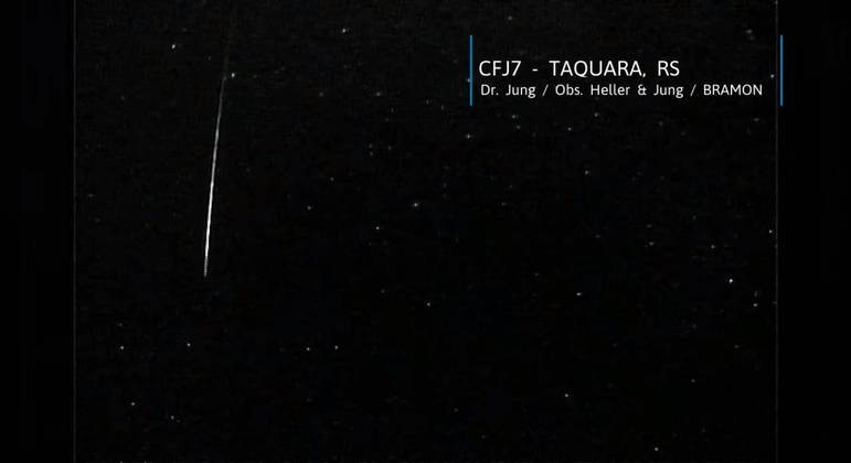 Meteoro duplamente raro é visto cruzando o céu do brasil; veja o vÍdeo