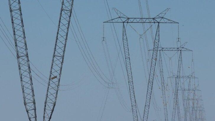 Senado aprova mp que permite privatização da eletrobras
