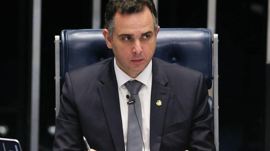 Presidente do senador pressiona por programa social após término do auxílio emergencial