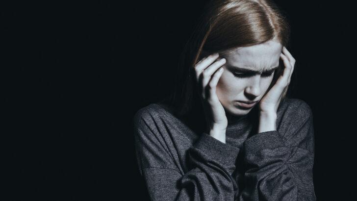 Confusão mental, delírios e risco de avc estão entre danos cerebrais da covid-19