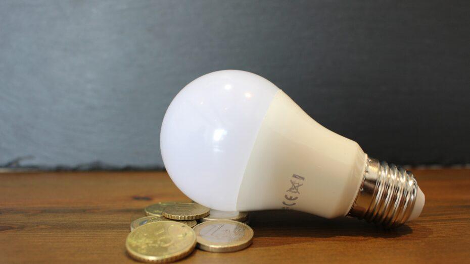 Exame/ideia: 43% dos brasileiros percebem aumento na conta de luz como pior efeito da crise hídrica