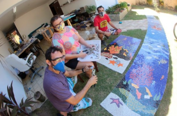 Repaginação da escadaria de mãe luiza recebe arte em mosaicos