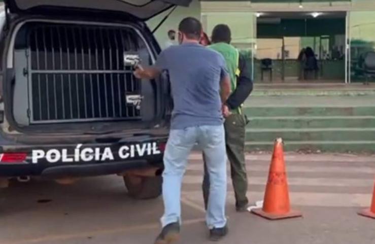 Polícia prende homem que matou mulher e a deixou agonizando para simular mal súbito