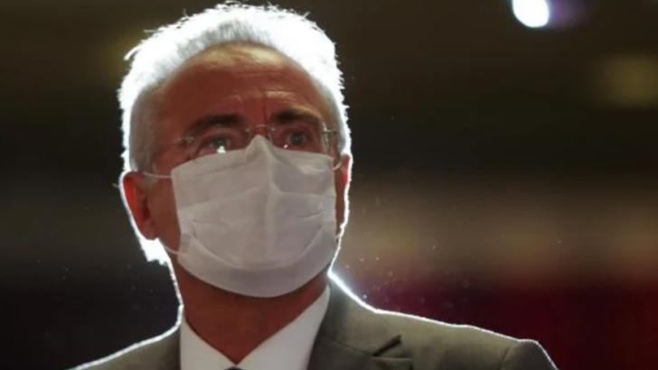 "Renan calheiros sobre bolsonaro: ""temos um louco na presidência"""