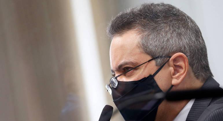 Elcio franco: vírus no servidor atrapalhou tratativas com a pfizer