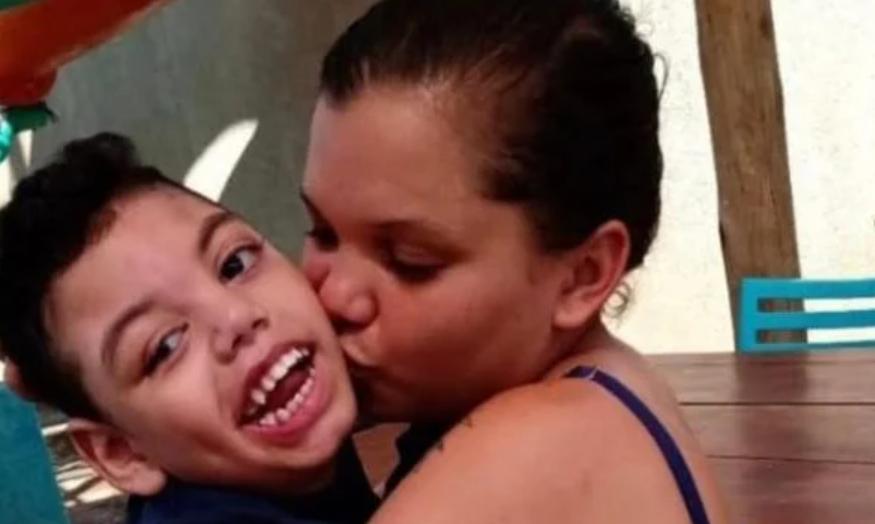Mães de crianças com microcefalia reclamam de falhas no tratamento