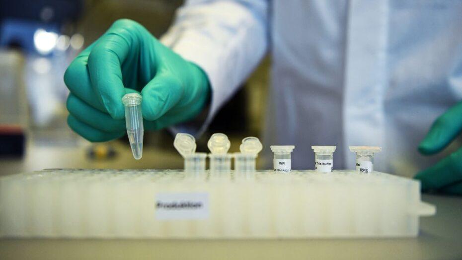 Com eficácia de 47%, vacina curevac contra covid-19 falha em teste