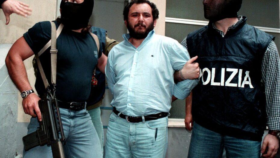Mafioso italiano que matou juízes, dissolveu garoto em ácido e se envolveu em 100 assassinatos ganha liberdade após 25 anos