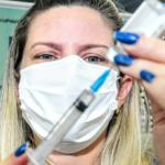 Mossoró segue vacinação de pessoas com 49 anos ou mais nesta terça-feira