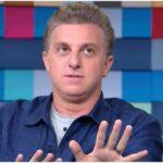 Luciano huck se queixa sobre permanência de leifert até 2022, diz colunista