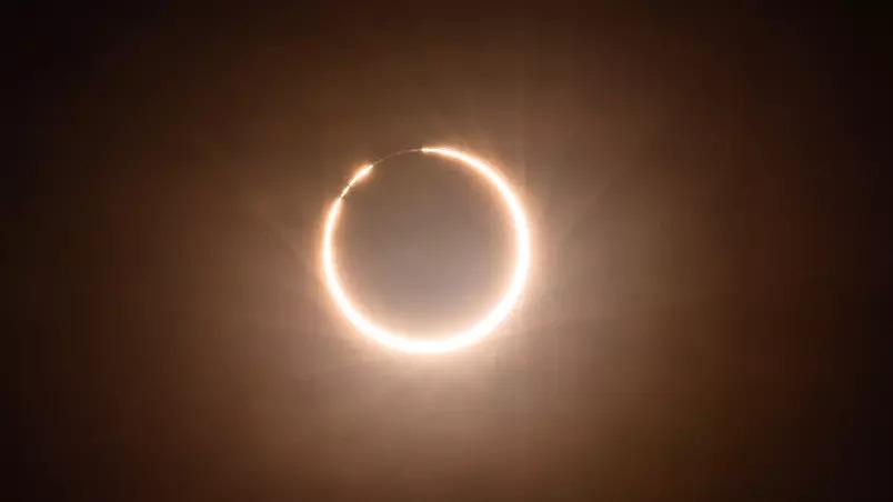 Eclipse solar formará 'anel de fogo' ao redor da lua em 10 de junho
