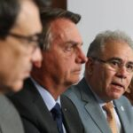 Depois de ignorar e-mails, bolsonaro se reúne com executivos da pfizer e pede antecipação de doses de vacinas