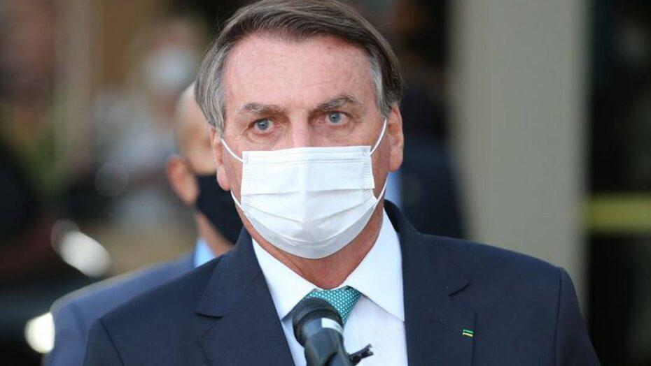 Bolsonaro mantém silêncio sobre 500 mil mortos por covid e diz que 'só na fraude' lula volta