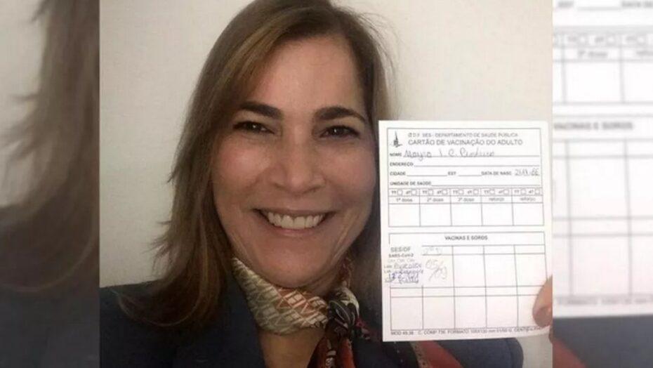 Capitã cloroquina é ironizada nas redes após celebrar vacinação: 'parou o tratamento precoce?'