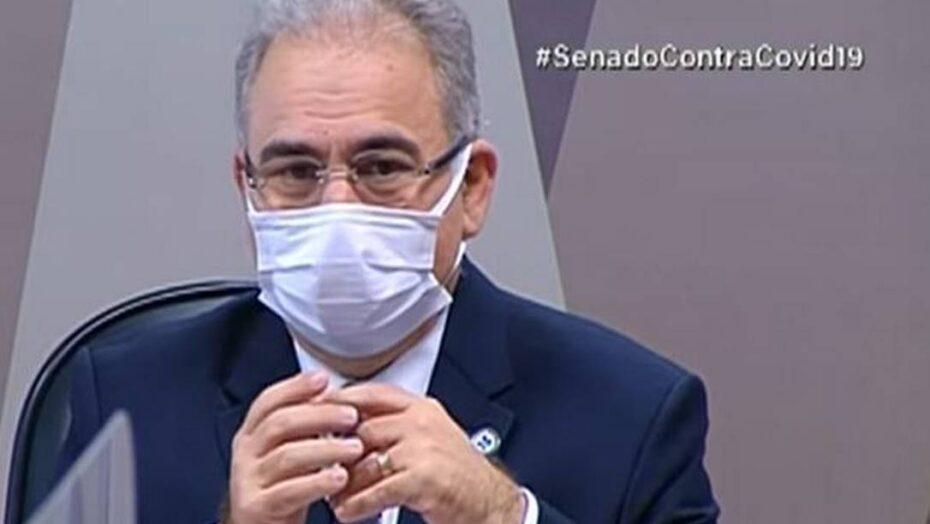 'as imagens falam por si só', dispara ministro da saúde após cpi exibir vídeos de bolsonaro aglomerado e sem máscara
