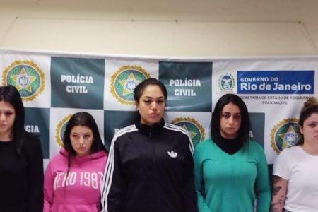 As estelionatarias Mariana Serrano Gabriela Vieira Rayane Sousa Anna Carolinas e Yasmin Navarro x