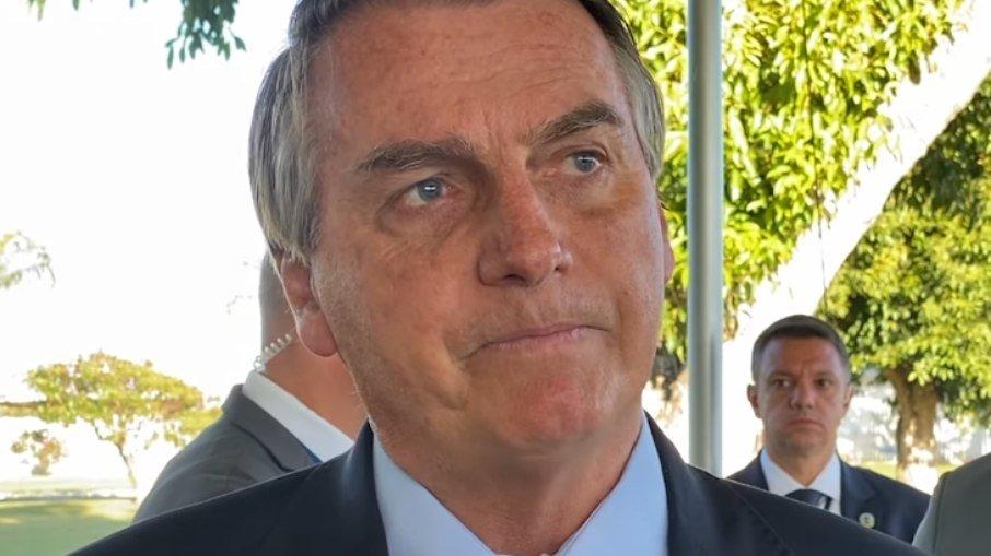 """Bolsonaro acusa stf de tirar lula da cadeia """"para ele ser presidente na fraude"""""""