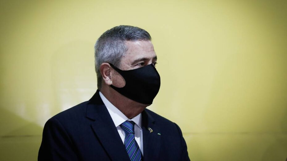 x SOC Brasilia BSB Ministro da Defesavisita posto de vacinacao em Brasilia O jpg pagespeed ic LKFTublg H