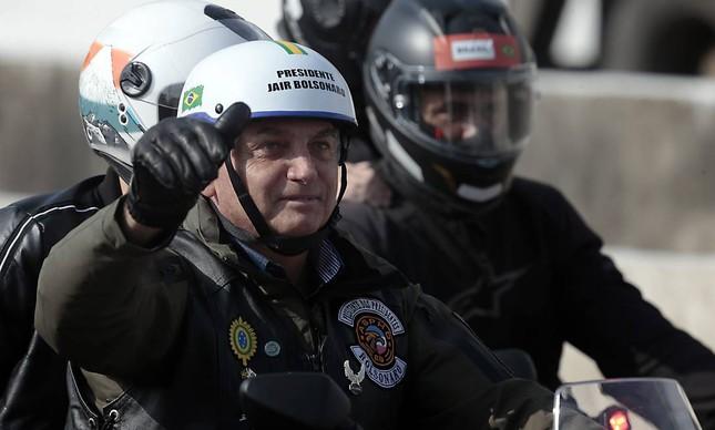 x pa sao paulosp o presidente bolsona faz passeio com motociclista por sao jpg pagespeed ic satrpaam
