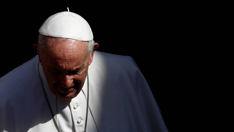 x FILE PHOTO Pope Francis walks after the weekly general audience at the San Damaso court jpg pagespeed ic soRURXX