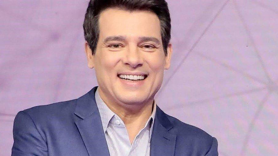 """Show do milhão ganha nova temporada com celso portiolli que dispara: """"honrado e preocupado"""""""
