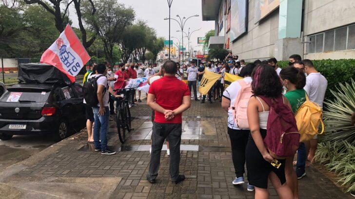 Com baixa adesão, manifestantes pedem impeachment de bolsonaro em natal