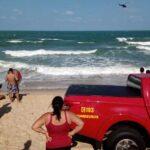 Bombeiros seguem na busca de menina de 15 anos que se afogou no litoral do rn