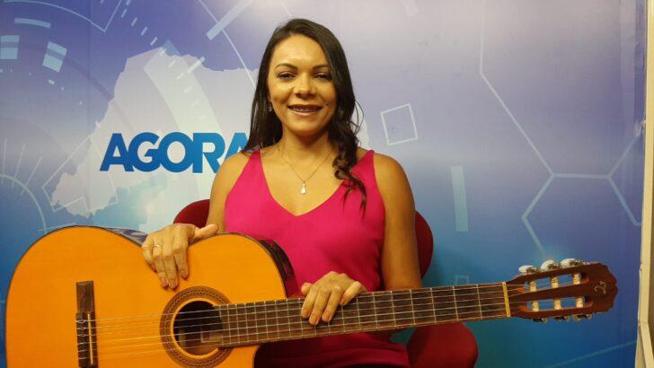 """Cantora potiguar mayara mirths acaba de lançar o primeiro ep da carreira, intitulado """"vamos ser felizes"""""""