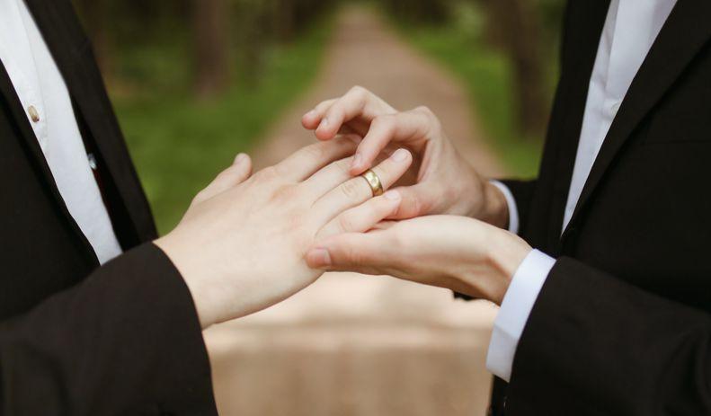 Suíça aprova casamento gay em votação nacional