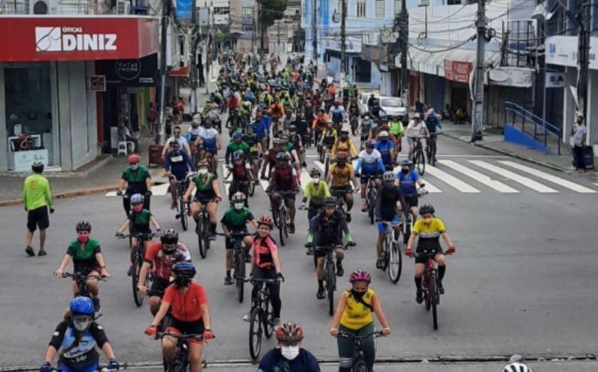 Prefeitura promove ciclo natal inclusivo no encerramento da semana do trânsito no domingo