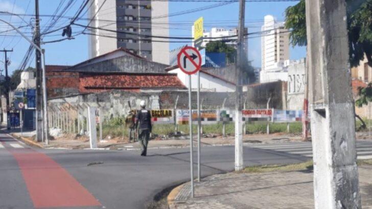 Cerca de 150 faixas e placas irregulares são removidas das ruas de natal
