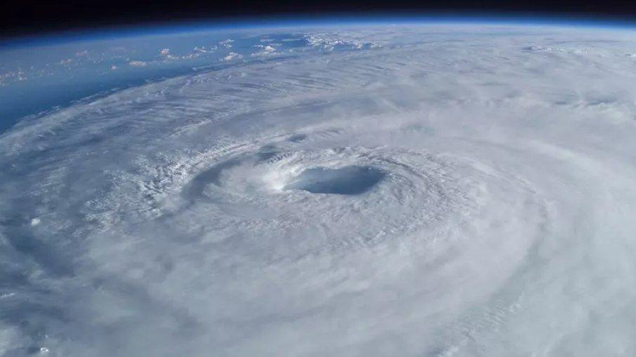 Climatempo confirma: ciclone intenso atinge litoral brasileiro nos próximos dias