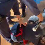VÍdeo: adolescente é atingido nos olhos por spray de guarda enquanto gritava de dor no chão