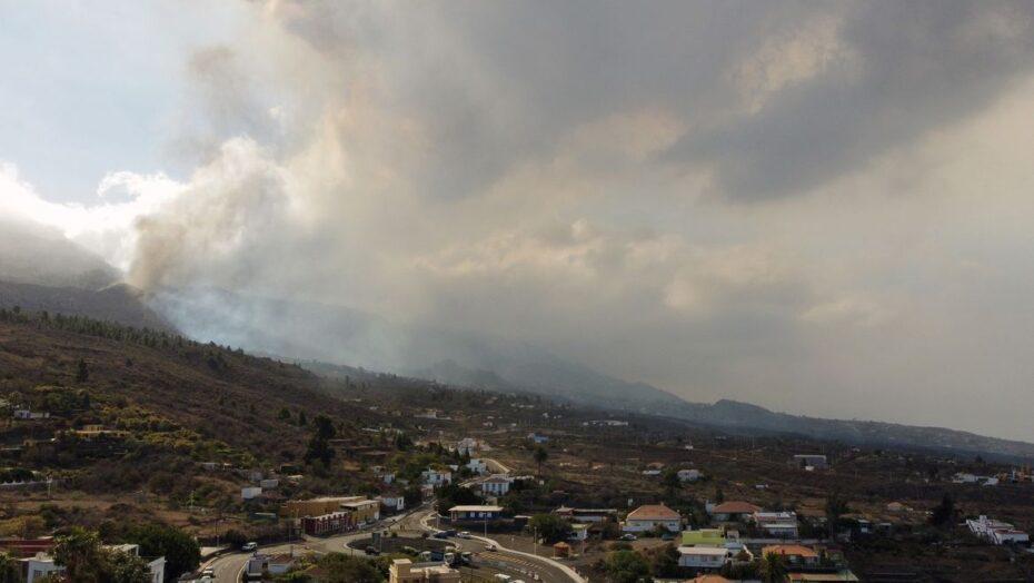 Erupção do vulcão nas Canárias temido por brasileiros pode durar até 84 dias