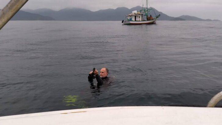 Mortes em angra: indícios de barco sumido são encontrados a 38 metros de profundidade; mau tempo adia novas ações