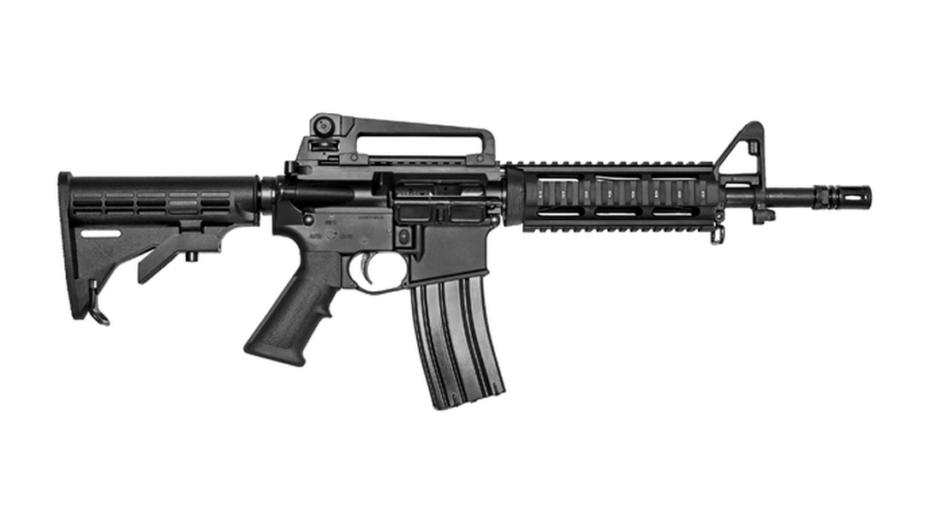 Homem deixa fuzil com 1 mil cartuchos em quarto de hotel e tem a arma furtada